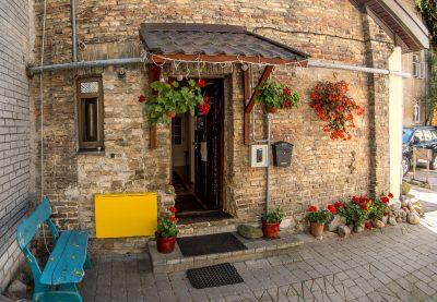 Parduodamas namas Vilniaus Senamiestyje su hosteliu