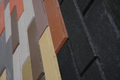 """Apdailos plytų """"Smart bricks"""" gamybos įmonė."""