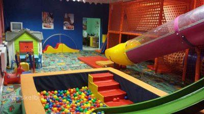 Parduodama vaikų žaidimų kambario įranga