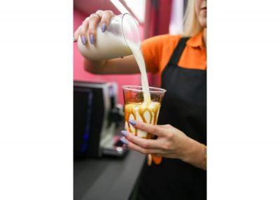Parduodame veikiantį burbulinės arbatos baro verslą Vilniaus senamiestyje